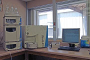 TSQ Quantum Tandem Liquid Chromatography / Mass Spectrometry Analyzer